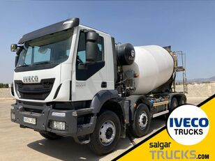 IVECO TRAKKER 400 camión hormigonera